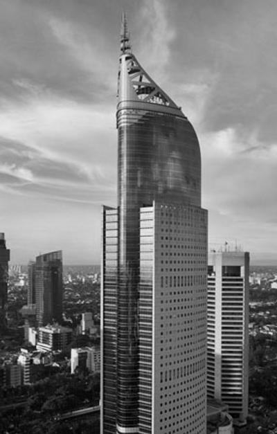 Jakarta bldg fade2 bnw.png