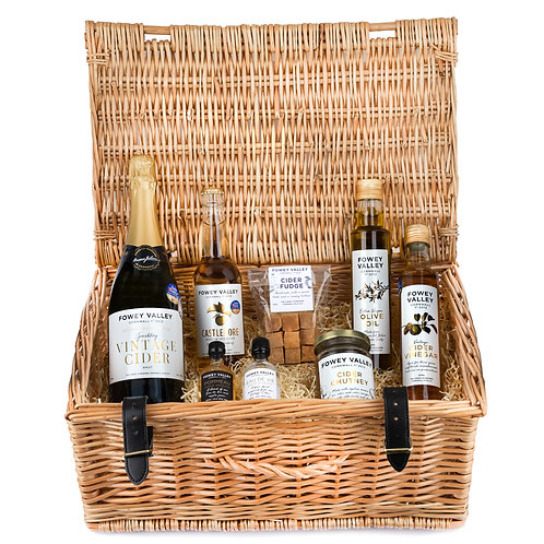 Large hamper containing, oil, vinegar, sparkiling vintage cider, castledore cider, cider chutney and cider fudge