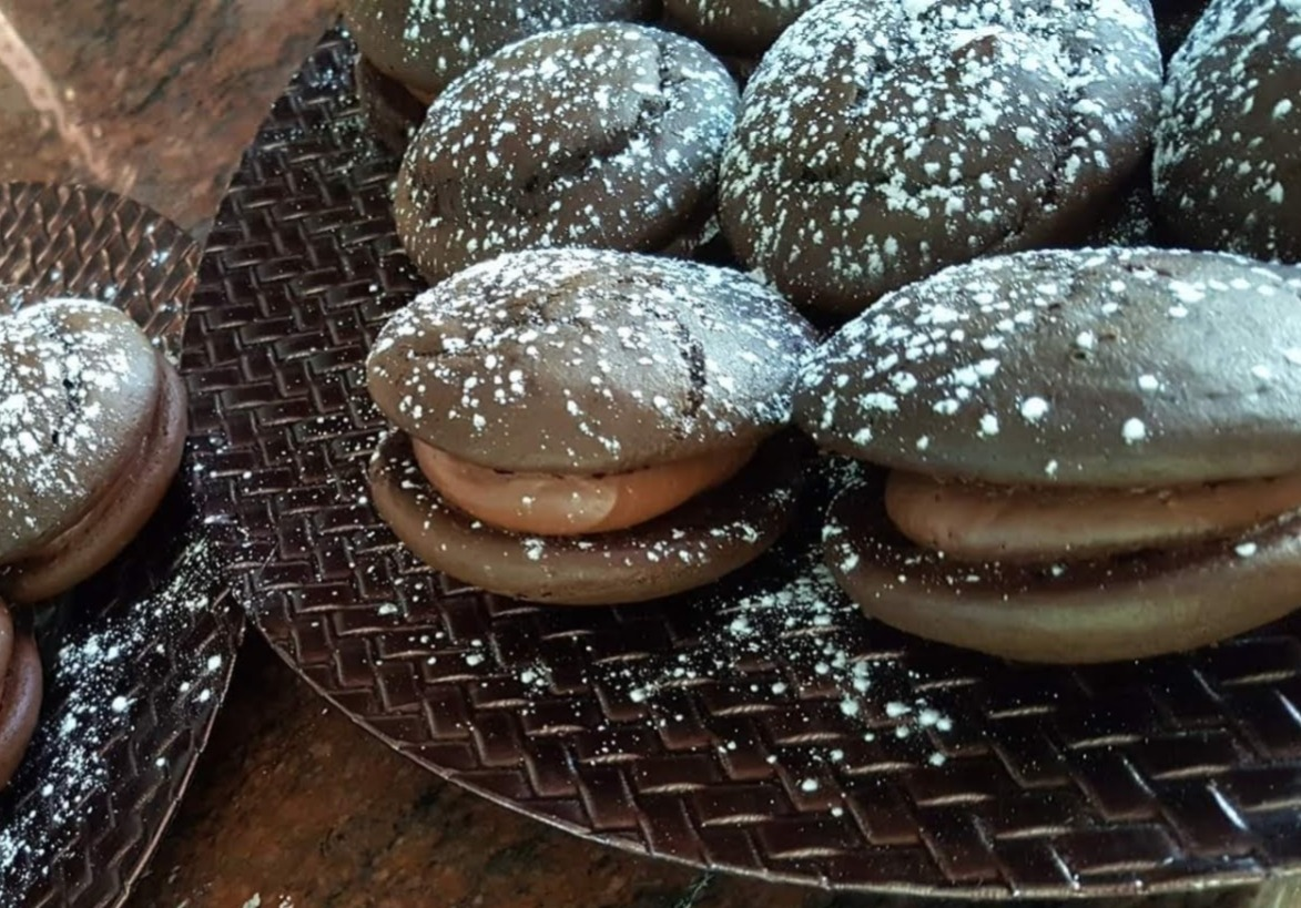Chocolate Whoopie Cakes