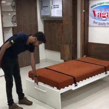 Murphy Automatic leg wall bed