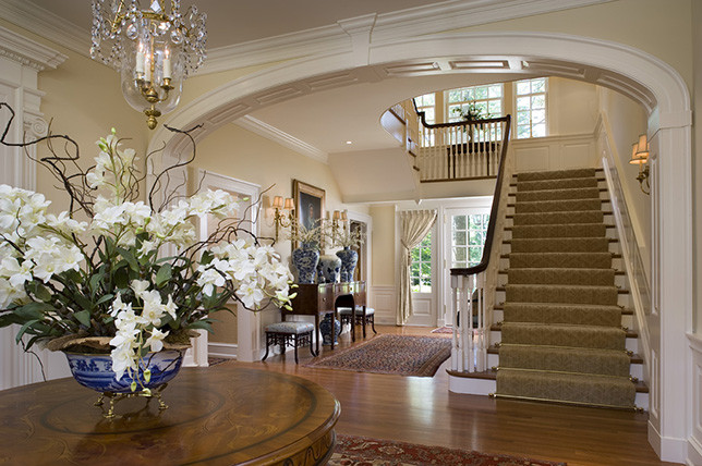 Traditional interior design is a general term that takes in varied design styles and era's that aren't devoted to one particular direction or spirit.