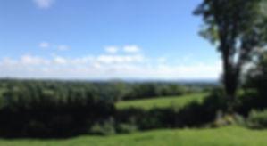 Vue sur Aubrac et Margeride du gite Loupradelou de Narnhac dans le Cantal