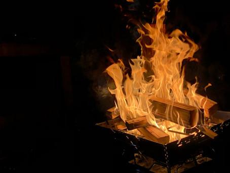 宿で焚き火を楽しむ!