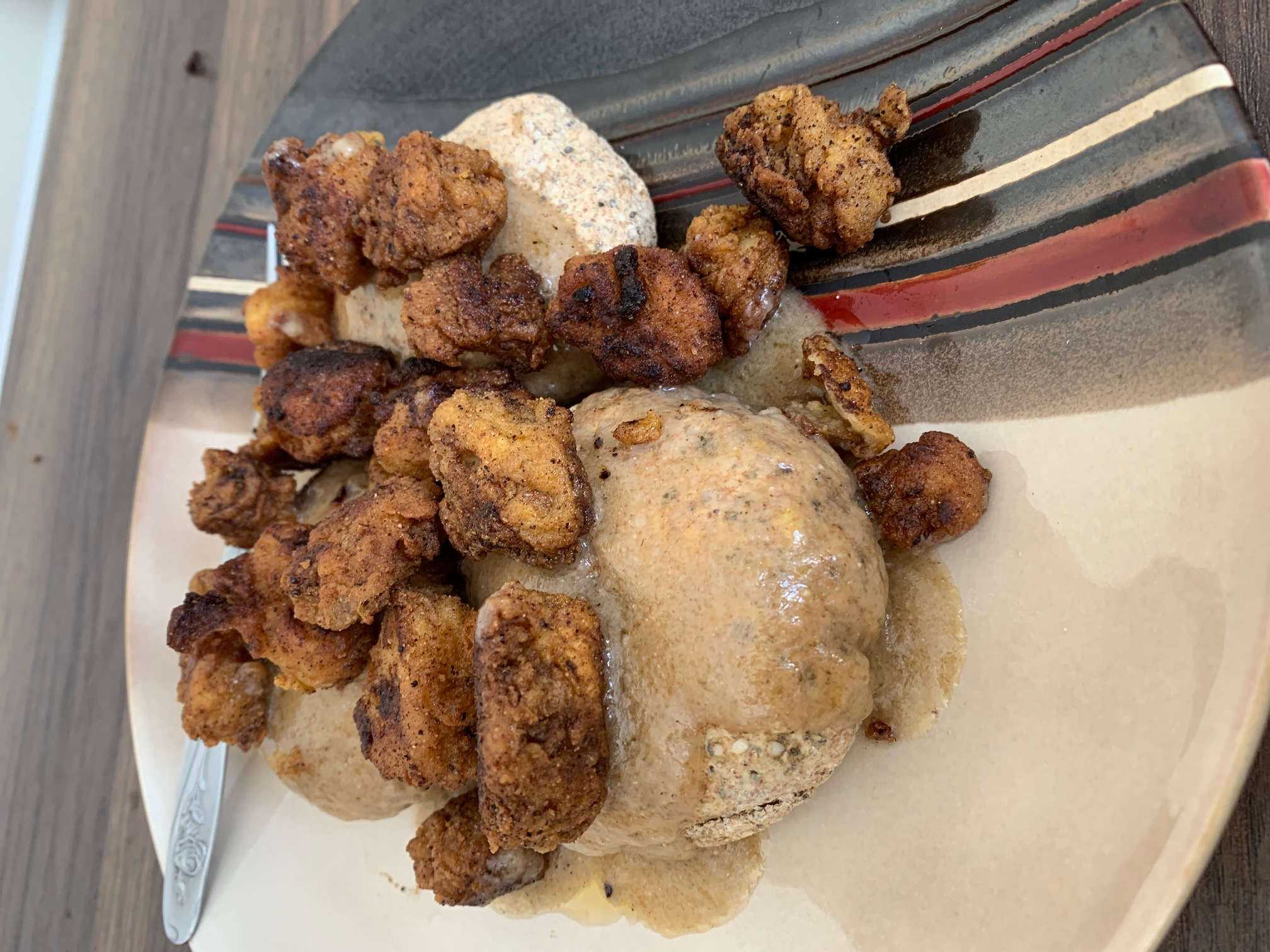 buscuits and fried chixx
