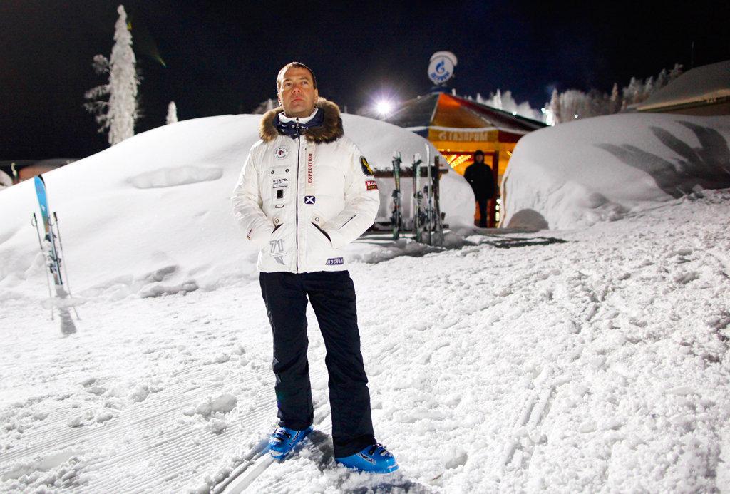 Д.А. Медведев любит лыжи