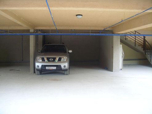 Просторный паркинг в комплексе парк-апартаментов Красная Поляна