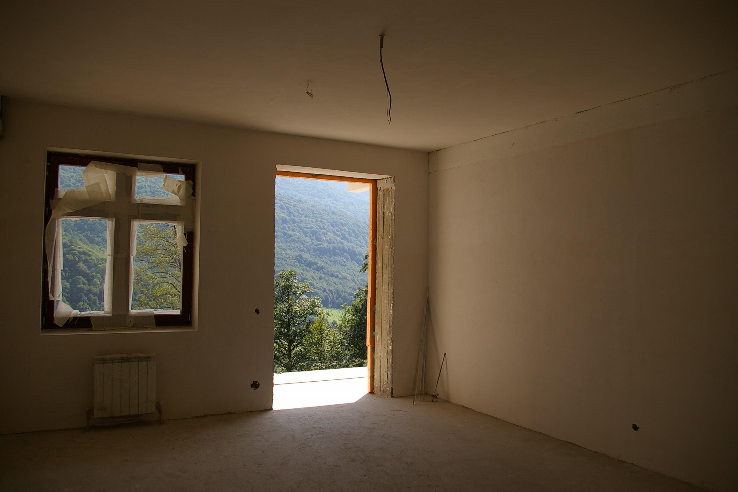 Установка деревянных блоков окон