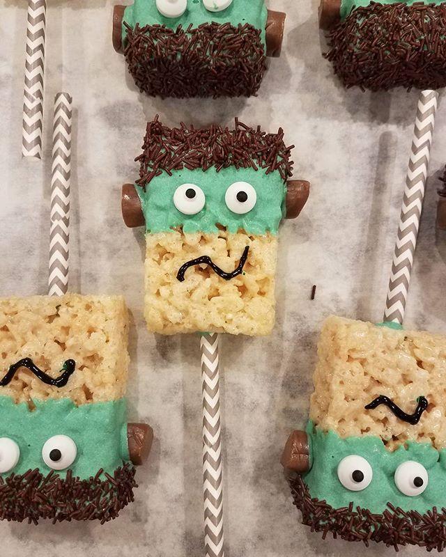 Happy Halloween! Frankenstein on a stick 🎃__#snohomishbaker #momboss #freshisbest #farmfresh #fairt