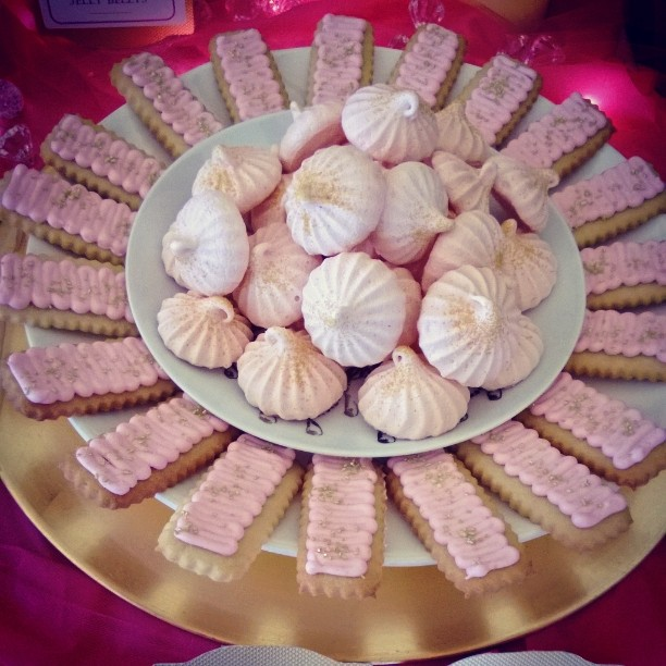 Strawberry Meringues and Pretty in Pink Cookies