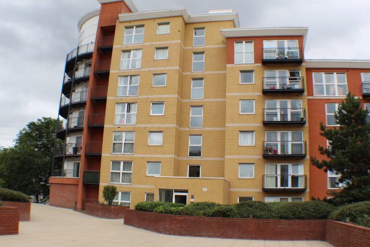 NOW LET-Memorial Heights, Newbury Park £1275 PCM