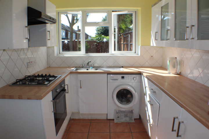NOW LET- Whalebone Grove, Chadwell Heath £1295 PCM