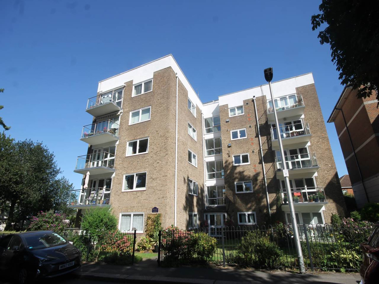 NOW LET- HOBART COURT, SUNSET AVE, WOODFORD GREEN