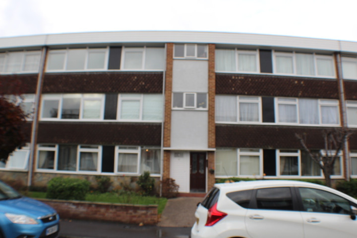 NOW LET- BARTON MEADOWS £1275 PCM