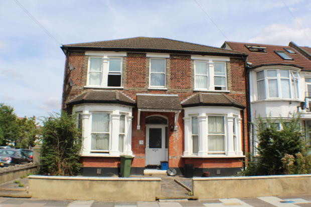 NOW LET- Brisbane Road, Ilford £1350 PCM