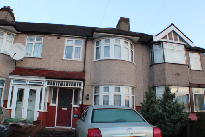 NOW ET- Pemberton Gardens, Chadwell Heath £1100 PCM