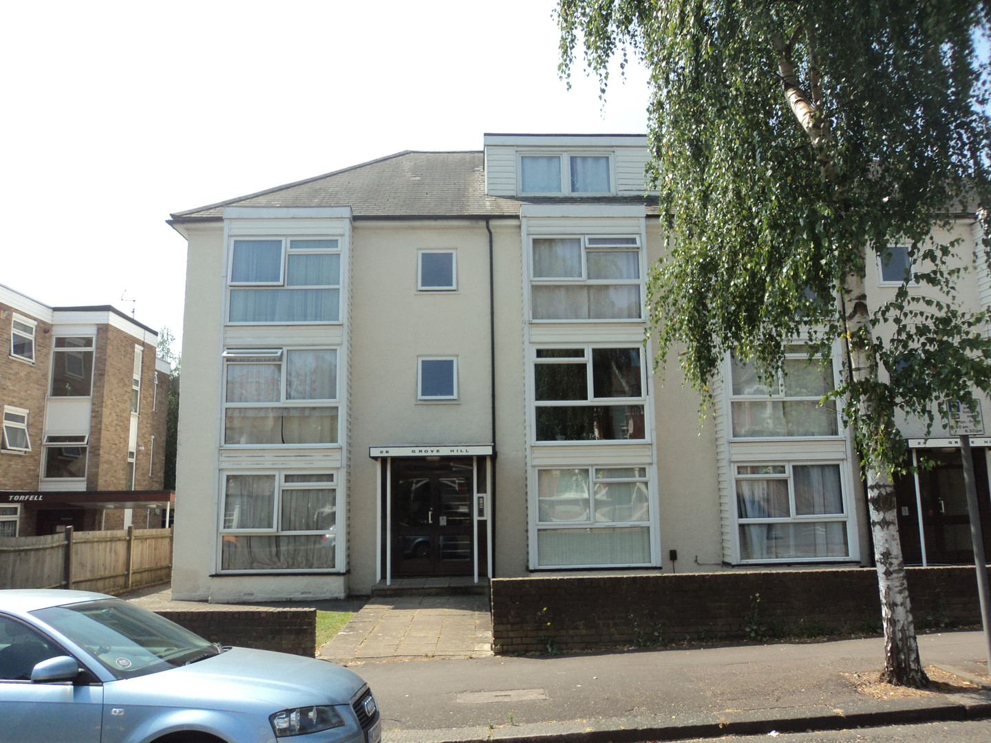 NOW LET- Grove Hill, South Woodford £950 PCM
