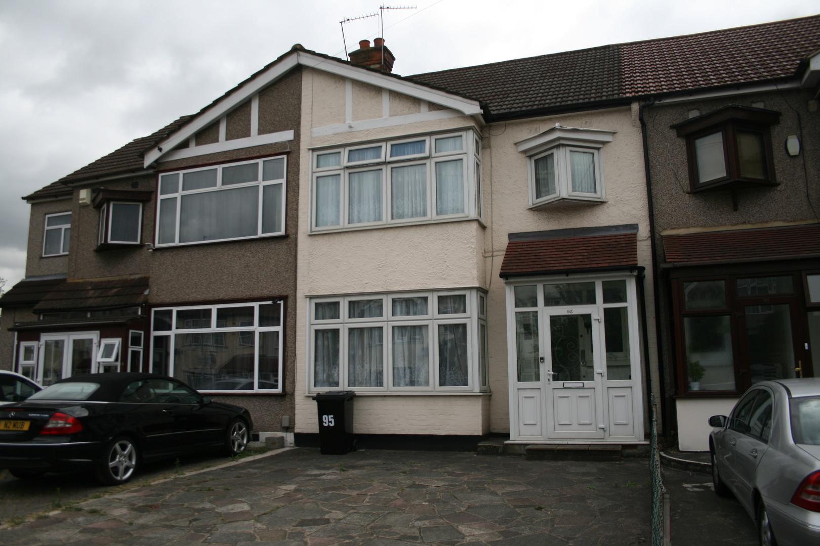 NOW LET- Redbridge Lane East, Redbridge  £1600 PCM