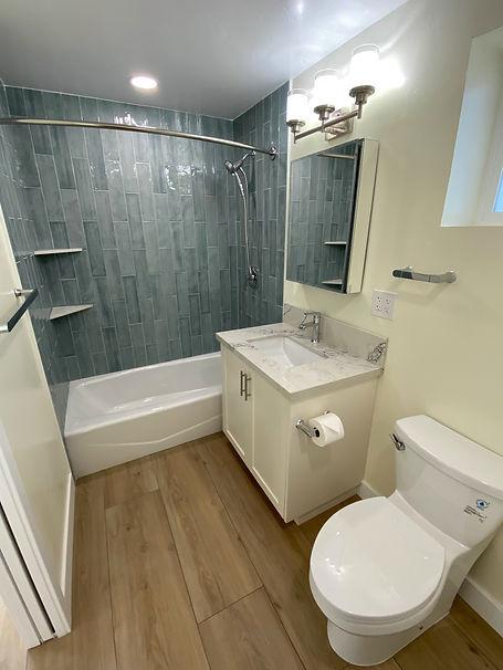 2313Finch_Bath.jpg