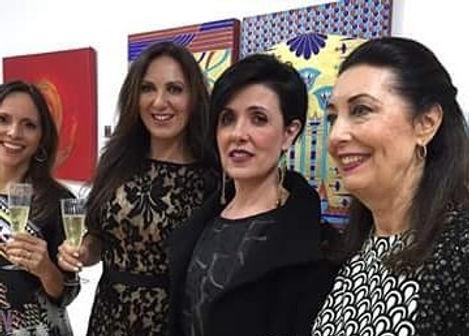 Susana Barros na exposição de suas obras na Shapira & Ventura Gallery - NY