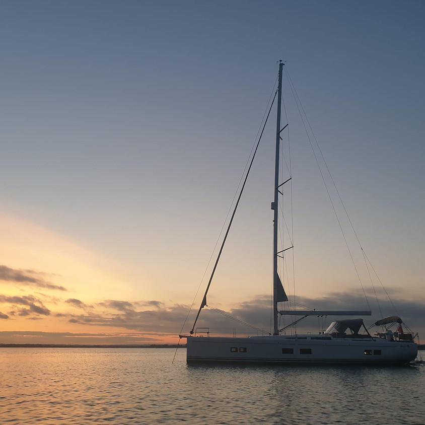 Sundowner yacht party!