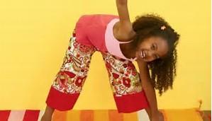 yoga pose kids girl smiling pic