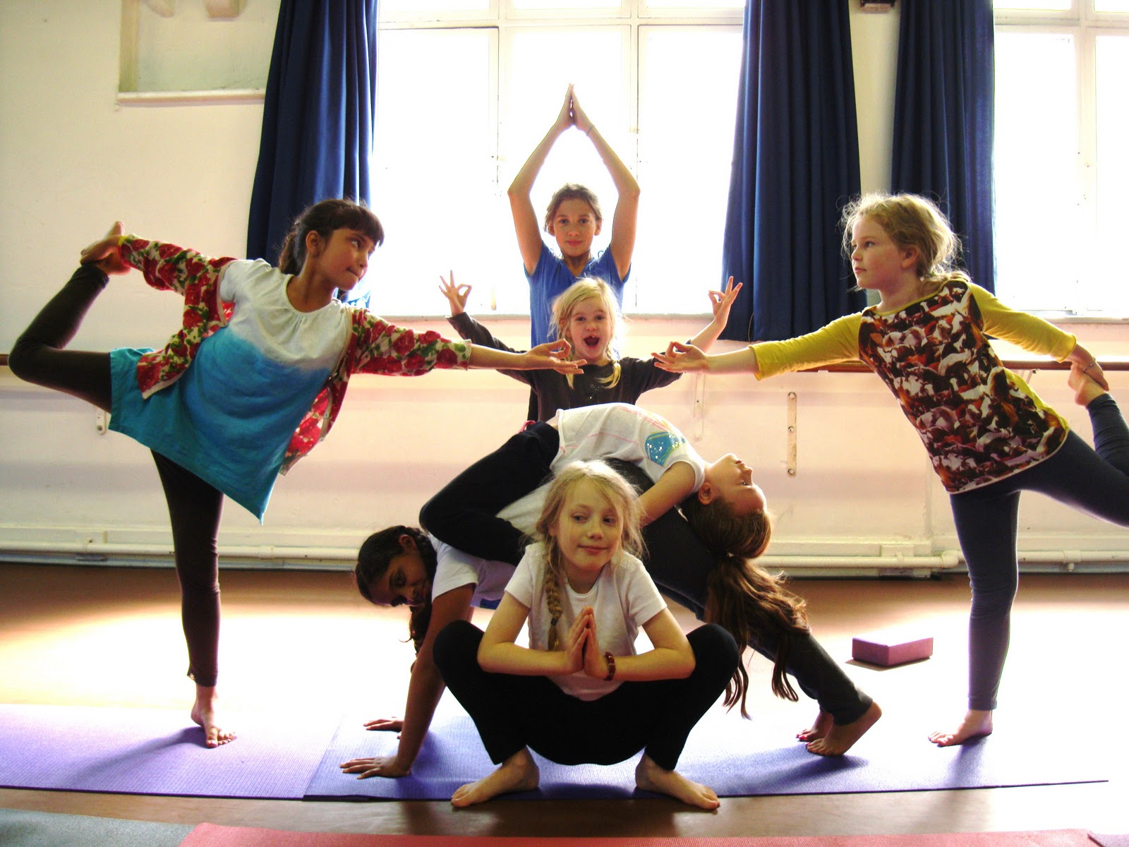 fun-yoga-poses-for-kids-fnxgt5ot