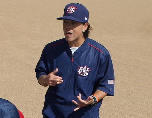De selección nacional de béisbol femenil, a entrenadora de los Athletics