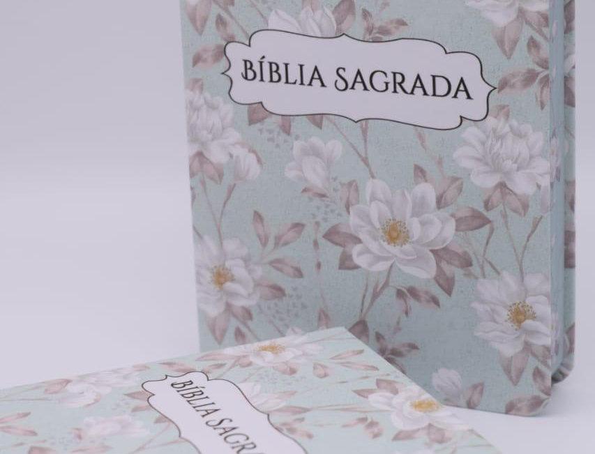 Bíblia Sagrada - Flores Brancas