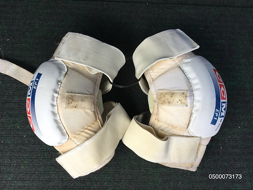 CCM Knee Pads