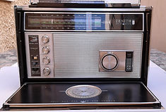 ZENIRadio Hifi stereo, Westinghouse Aeriola Junior, Perikon detector, cat whisker contact, Kenman 5, Kenman Five, Kenman Electric Co., TRF radio receiver, UV201A, Regency TR-1 first transistor radio, Lafayette Guardian 500TH Trans-Oceanic Royal D7000Y,