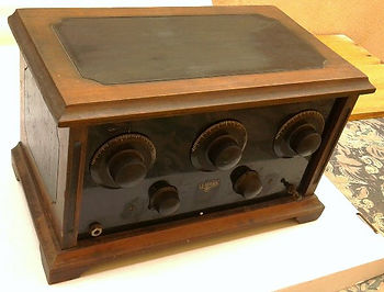 Radio Hifi stereo, Westinghouse Aeriola Junior, Perikon detector, cat whisker contact, Kenman 5, Kenman Five, Kenman Electric Co., TRF radio receiver, UV201A, Regency TR-1 first transistor radio, Lafayette Guardian 5000, Philips DT7140, Zenith Transoceanic