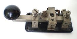 KEY W.T. 8 AMP No. 2 (1940's) , Collection of historic telecom equipTelecom milestones, telecom history, virtual museum, Amateur Radio, Telephone Answering, Telegraph history, Telephone History, Vacuum Tubes History, Telephone answering machines collection