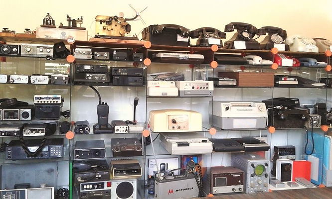 Collection of historic telecom equipTelecom milestones, telecom history, virtual museum, Amateur Radio, Telephone Answering, Telegraph history, Telephone History, Vacuum Tubes History, Telephone answering machines collection, Willy Muller, Alibiphon,