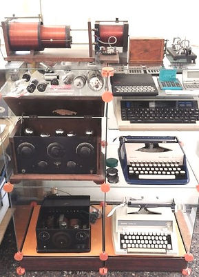 Collection of historic radio and electCollection of historic telecom equipTelecom milestones, telecom history, virtual museum, Amateur Radio, Telephone Answering, Telegraph history, Telephone History, Vacuum Tubes History, Telephone answering machines