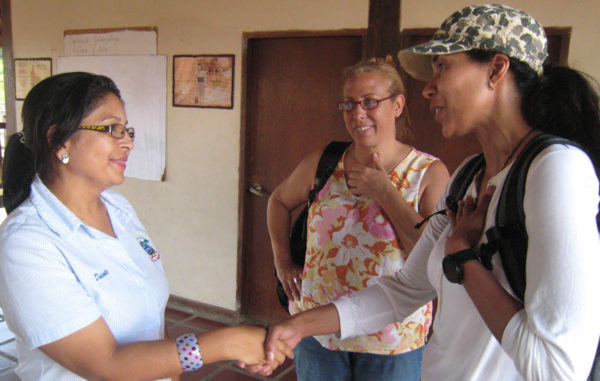 In this picture (from left to right): school principal Keila Navas, Maurelena Remiro Tepui Country Coordinator and Yelitza Louzé Bättig, Tepui president, closing alliances