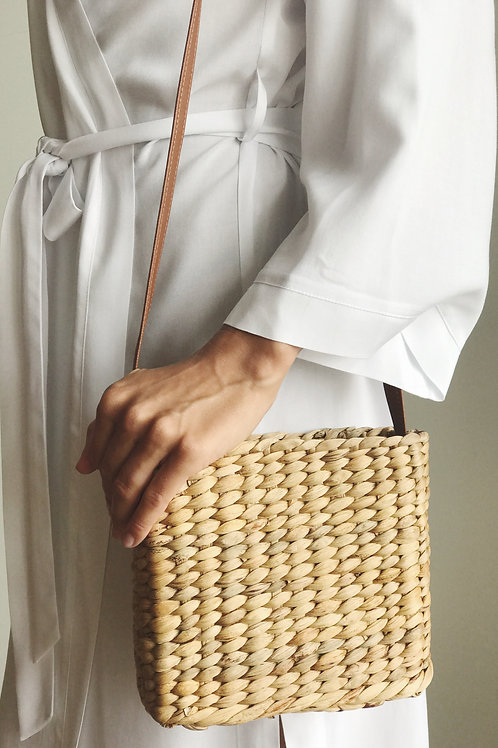 Straw bag with eco-leather strap