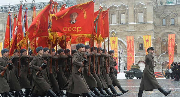 USSR-soldiers-marching-flags-rifles.jpg