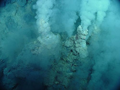 hypothermanl-vent-ocean-floor-2560.jpg
