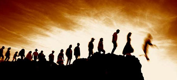 people-walk-to-cliff-edge-and-fall-over.JPG