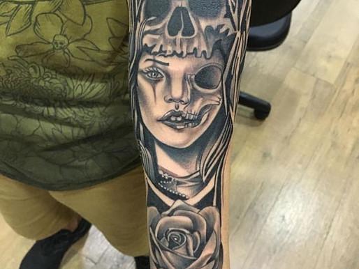 Tatuagem blackwork no estúdio smokedragon tattoo e piercing,(centro rio de janeiro)