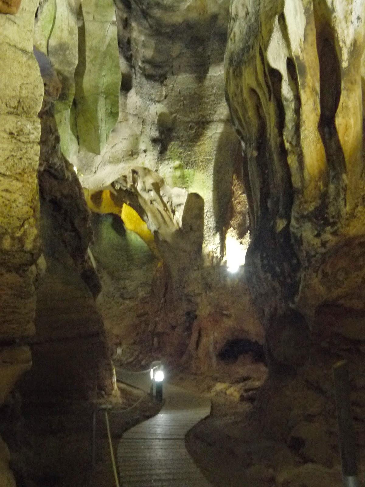 Cueva de las Calaveras. Benidoleig.