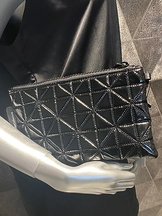 Vee Pouch
