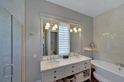 bath tile installation.jpg