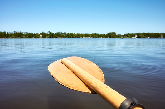 wooden-paddle-over-water-KB9ZV4C.jpg
