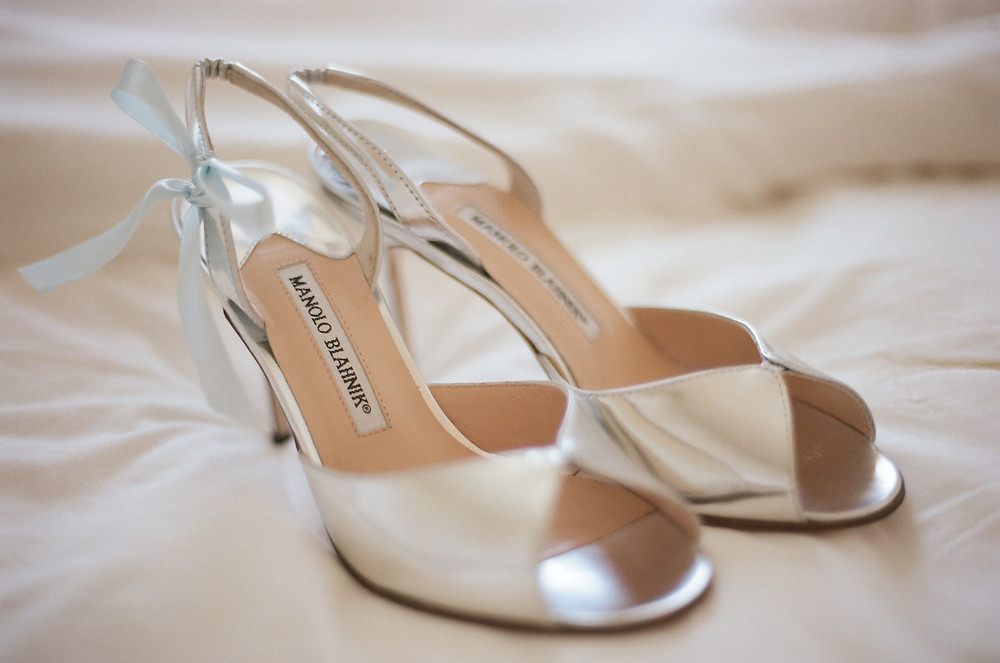 Manolo Blahniks, Manolo Blahnik shoes, silver shoes, wedding shoes, Manolo Blahnik wedding shoes, blue ribbon, ideas for something blue