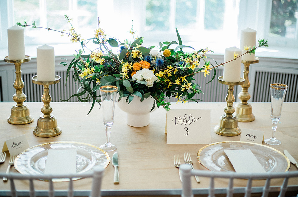 wedding dinner, wedding brunch, wedding table setting, minimalist table decor wedding, gold candelabras