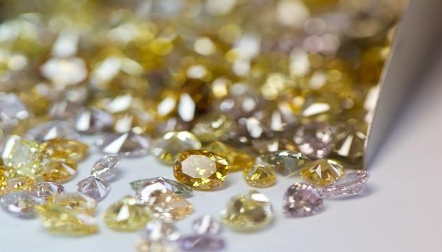 colored diamonds, yellow diamonds, pink diamonds,