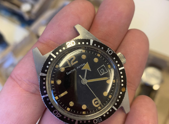 A big fascination of Crispins is English watchmaking, and Smiths in particular. This Smiths Astral skin diver is awesome...