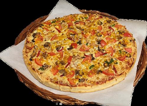 Pizza nr. 8 med tomat, løk, paprika, mais og sjampinjong