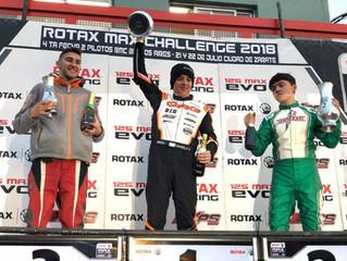 Santiago Chiarello en lo más alto del podio
